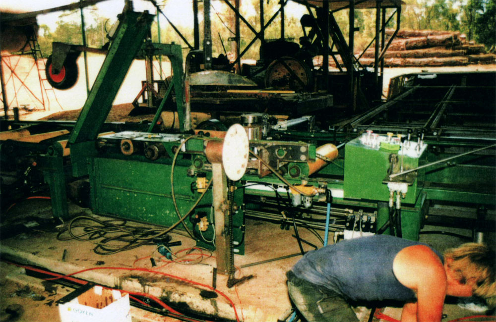 Tillbrooks Mill - Trevor & Pam Tilbrook were able to expand there timber mill by installing a more modern bench. Fabrication of chain conveyor idler and drive rollers, shafts keyed for sprocket drives and main spindle shaft for saw bench made by Collie Machine Shop. Installation was carried out and commissioned with Trevor Tillbrook and his sons working with Collie Machine Shop